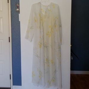 Inner Most Brand yellow nightgown and robe set